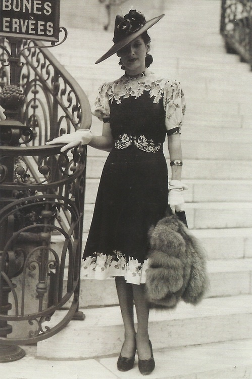 Mode in Parijs, 1939. Fashion in Paris, 1939.