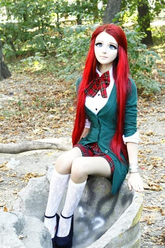 anastasiya shpagina, the human barbie (oxymoron)