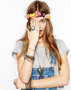 Asos Johnny Loves Rosie Flower On Cord Garland €21.07