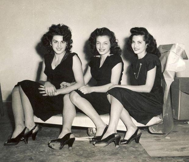 Drie vriendinnen uit de Bronx, New York. Gefotografeerd door Robert Barone in 1947.