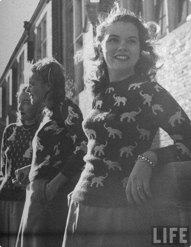 Schattige sweaters uit de jaren 40. Adorable.