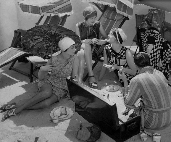 Beach Picknick, 1920's.