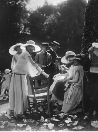 Summer Fashion, House of Chanel, 1920's.