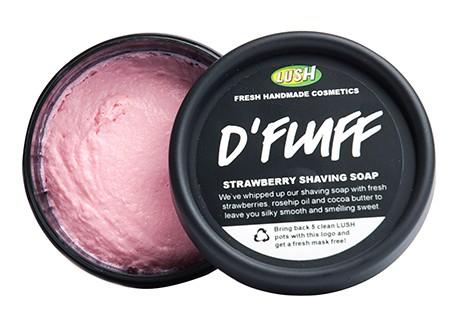 Productomschrijving: Zachte, naar zoete aardbeien ruikende scheerzeep. Voor alle delen van je lichaam! D-Fluff Strawberry scheerzeep bevat aardbeien, cacaoboter, kokosolie en eiwit, het zorgt voor een zachte, zoete scheerervaring!