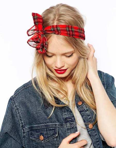 Check Print Headscarf, € 8,45.