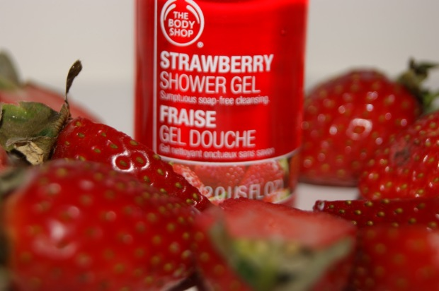 The Body Shop Strawberry Shower Gel Review 1