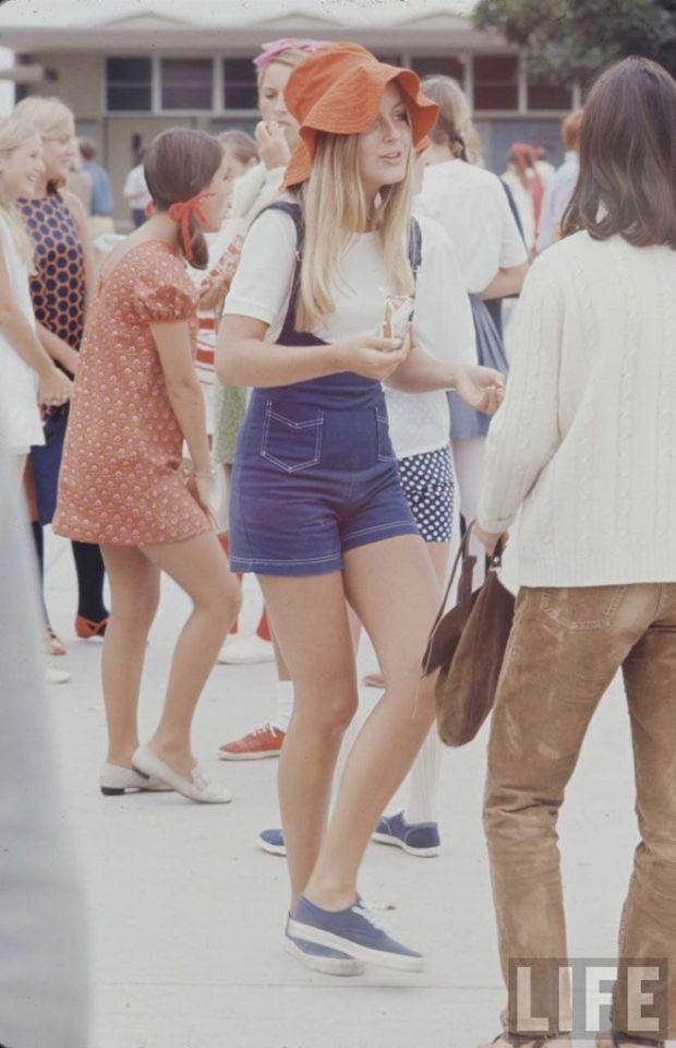 High School summer fashion in 1969, LIFE magazine.
