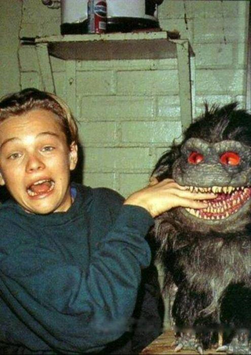 Een piepjonge Leonardo diCaprio op de set van Critters 3. Dit was voor Leo zijn allereerste film!
