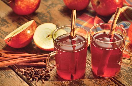 13630-cinnamon-sticks-apple-cider-autumn-drink