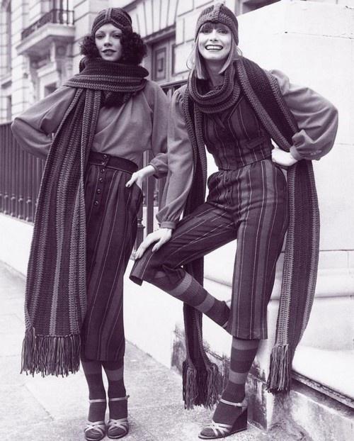 1970's, lange gebreide sjalen.