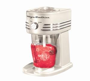 Een aanvulling voor elk huishouden is deze Slush Puppy Maker XL Pearl van Nostalgia Electrics. Trakteer jezelf en je gezin op heerlijke ijsdrankjes (Slush Puppies), half bevroren toetjes (granita's), fruit smoothies of margarita's met deze stoere jaren 50 stijl Granita Maker. Zet de meegeleverde maatbeker onder de machine, kies voor Snow (dunner sneeuwachtig ijs) of Slush (grotere brokjes ijs) en creëer de lekkerste toetjes met het meegeleverde ingrediëntenboekje.  Of maak bijvoorbeeld lekkere Fruit Smoothies door bevroren aardbeien, kersen, frambozen of bananen in de maker te doen. Oeh! Of mix drank met ijs en maak voor jezelf een heerlijke Margarita. Kortom, laat je fantasie de loop met deze veelzijdige Granita Machine. Wat een briljant ding! Prijs €58,00.
