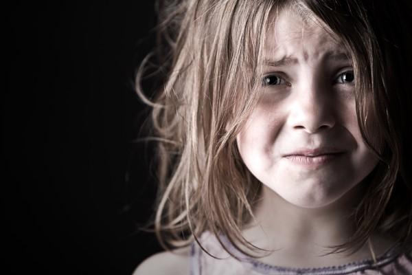 child-really-scared-in-dark-600x400