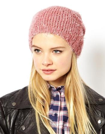 ASOS Fluffy Boyfriend Beanie, in de sale voor €2,84 (!)