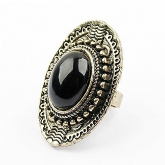Black Stone Ring. Momenteel in de sale voor €2,49 en