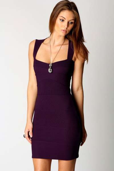 Candy Bodycon Dress in Grape €26,00. Sexy!