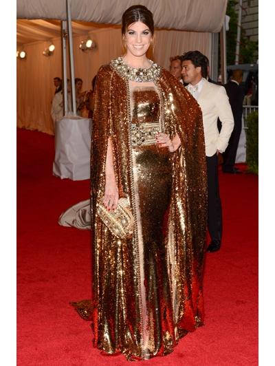 Deze vrouw schijnt naast Italiaanse Socialite ook een fashion icon te zijn. Hóe dan?