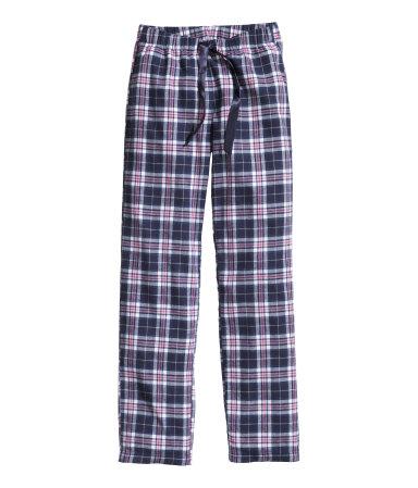 Pyjamabroek €14,95. Een pyjamabroek van flanel met elastiek en een drawstring in de taille.
