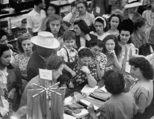 Nylon Riot in Pittsburgh. 1945.