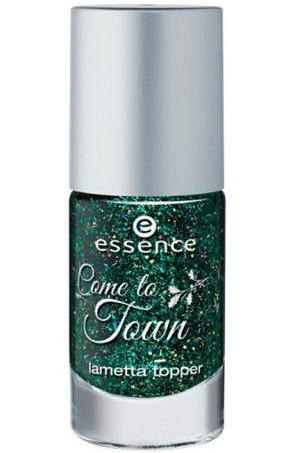 Groene glamour… Deze topper boordevol coole effecten is ideaal om elke nagelstijl te versieren met opvallende glittertjes. De ultieme kerstlook voor je nagels! Verkrijgbaar in 01 The most wonderful tree.