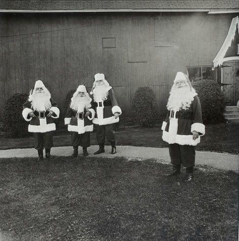 (Hulp!) Kerstmannen in opleiding, New York, 1964.