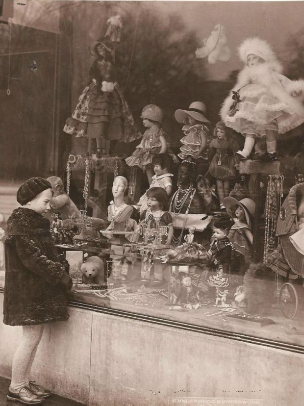 Kerstetalage in 1920.