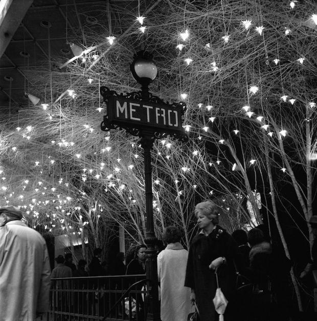 Magische kerstsfeer in Parijs, 1962.