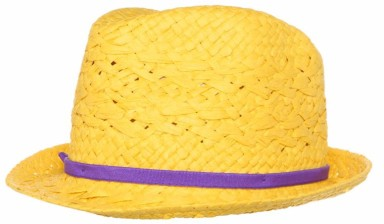 Cute little hat! Merk Chillouts, €21,95.