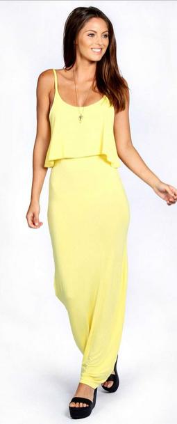 Lichtgele maxi dress, €23,00.
