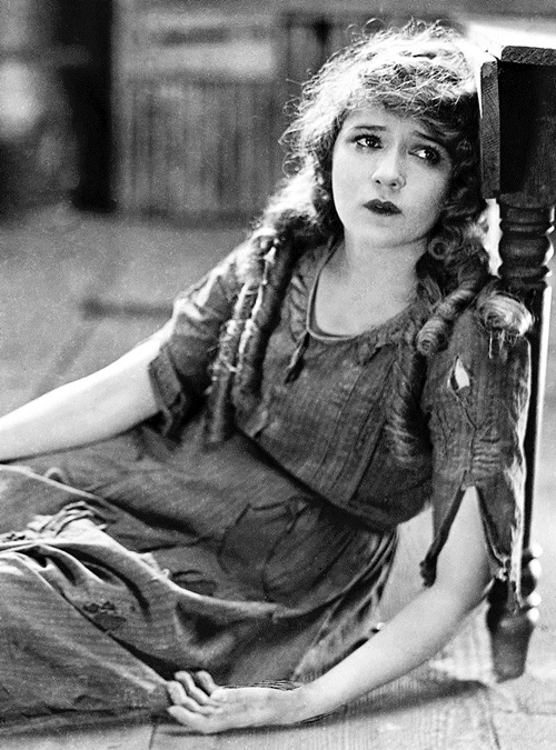Mary Pickford in 'Tess of the Storm Country', 1922.