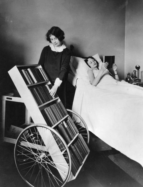 The LA Public Library Bookmobile programme. Was je ziek? Dan kwam de bieb gewoon naar je toe!
