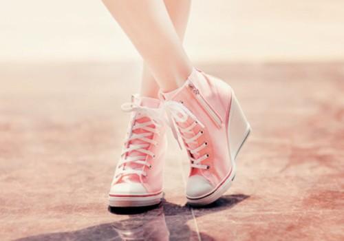 09mxz5-l-610x610-shoes-converse-converses-pink-high+heels-aqua+blue-pastel+pink-stars-wedges-converse+high+tops-converse+wedges-