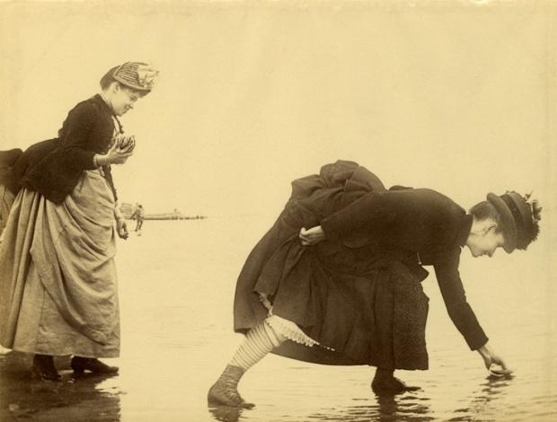 Schelpen verzamelen, Manhattan Beach, Coney Island, 1885.