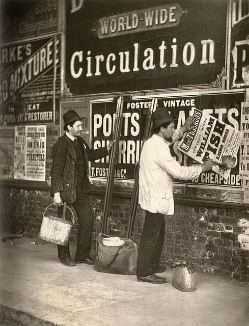 "Adverteren op straat. ""Street Life in London."" 1877."