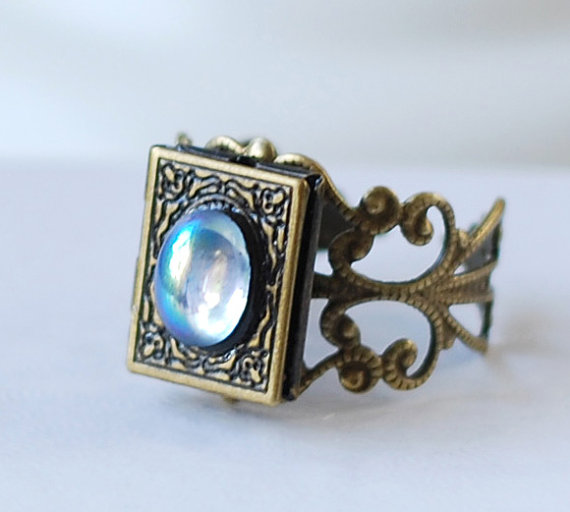 Bronskleurige verstelbare ring. One size fits most. In vintage stijl.