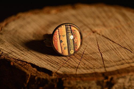 Ook deze ring is verstelbaar. One size fits most.