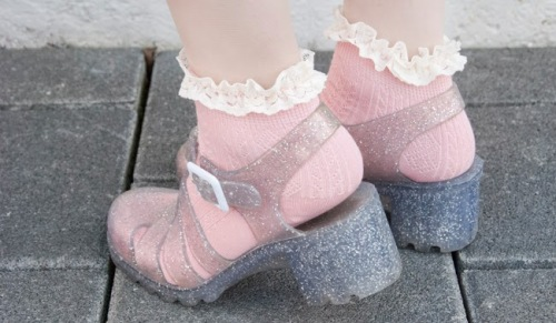 juju_babe_glitter_heeled_jelly_sandals_frilled_socks