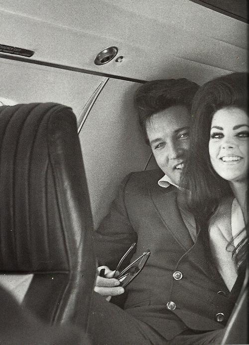 Elvis en Priscilla Presley.