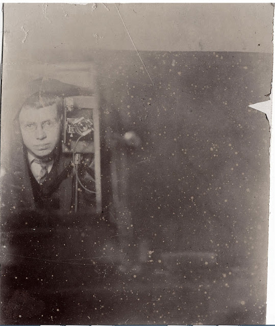 Mirror Self Portraits from the Early Days of Photography (11)