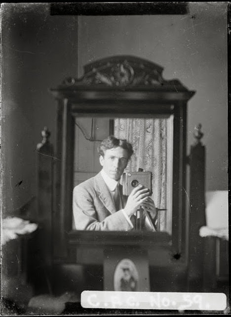 Mirror Self Portraits from the Early Days of Photography (3)