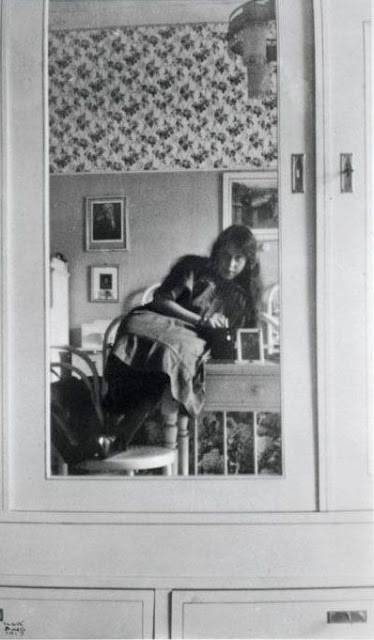 Mirror Self Portraits from the Early Days of Photography (4)